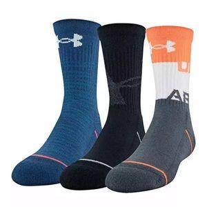 New boys under Armour 3 pack crew socks